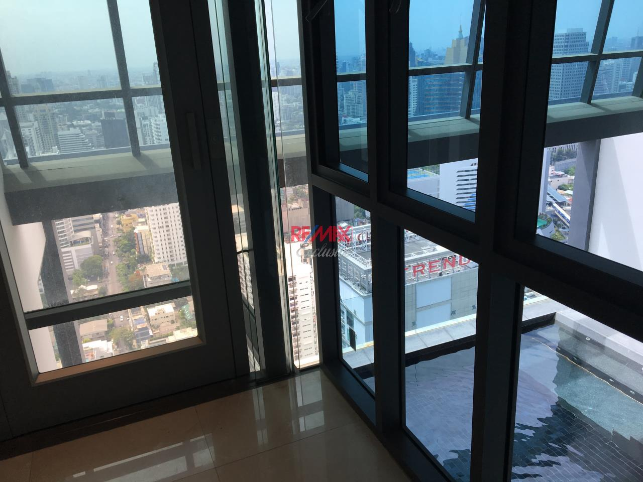 RE/MAX Exclusive Agency's Penthouse Hyde 13, Duplex 492SQM, Top Floor, 3 Bedroom 23
