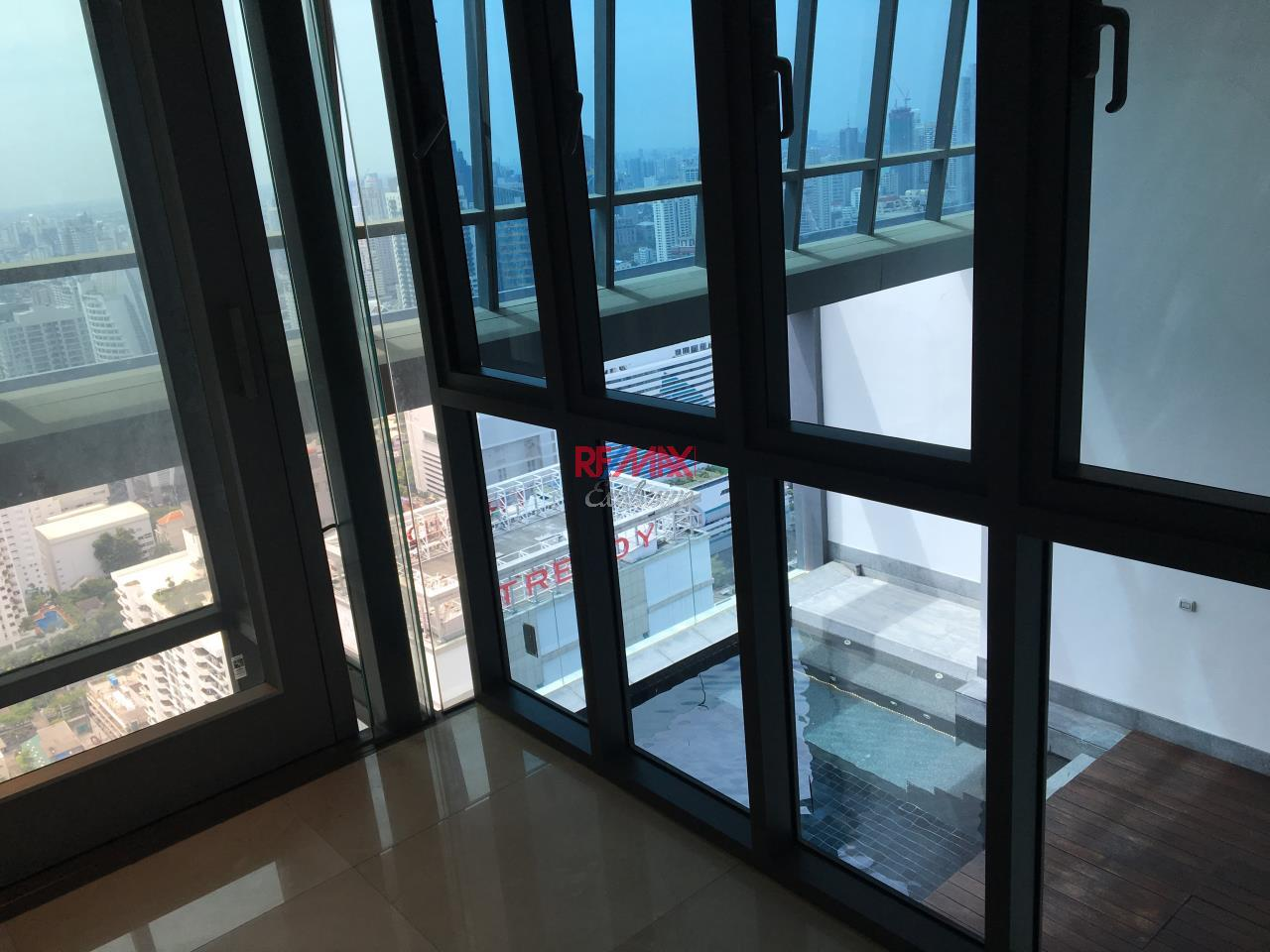 RE/MAX Exclusive Agency's Penthouse Hyde 13, Duplex 492SQM, Top Floor, 3 Bedroom 20
