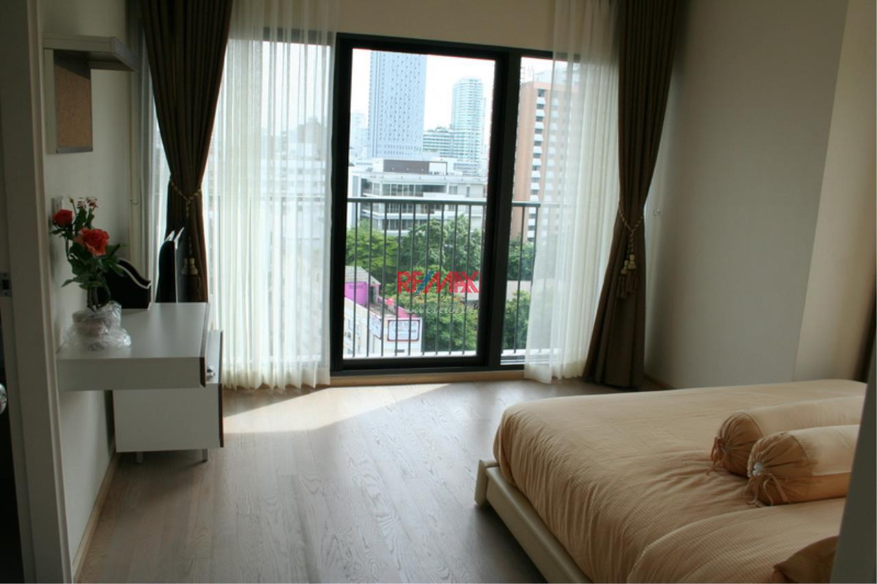 RE/MAX Exclusive Agency's NOBLE REMIX, Sukhumvit 36, 62 Sqm., 1 Bedroom, Fully-Furnished, European Style Decoration - RENT !! 23