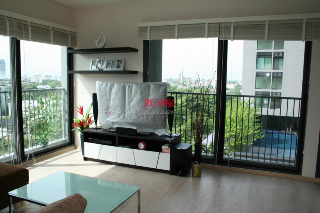 RE/MAX Exclusive Agency's NOBLE REMIX, Sukhumvit 36, 62 Sqm., 1 Bedroom, Fully-Furnished, European Style Decoration - RENT !! 25