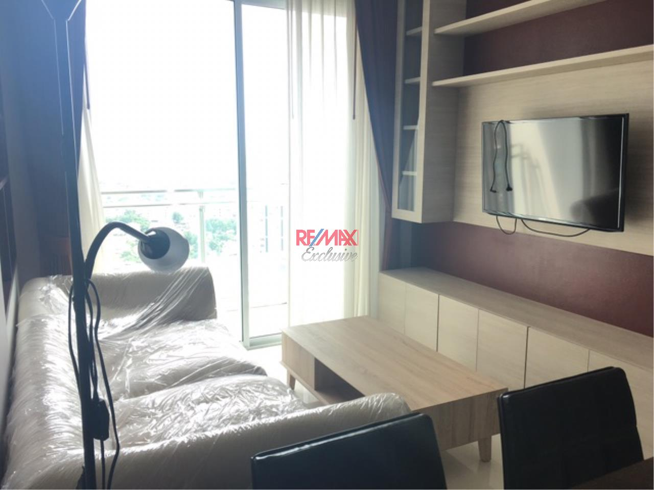 RE/MAX Exclusive Agency's The BLOOM, Sukhumvit 71.,2 Bedroom, 59 Sqm., Fully-Furnished, EXCLUSIVE UNIT, TOP FLOOR for RENT !! 10