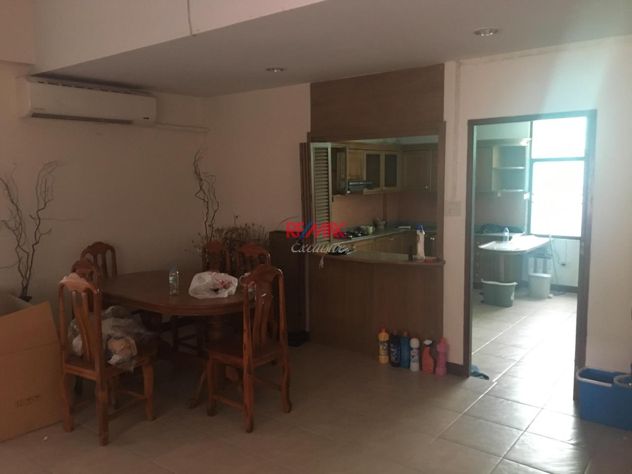 RE/MAX Exclusive Agency's Townhouse in Thonglor 3 bedroom 5 bathroom  9