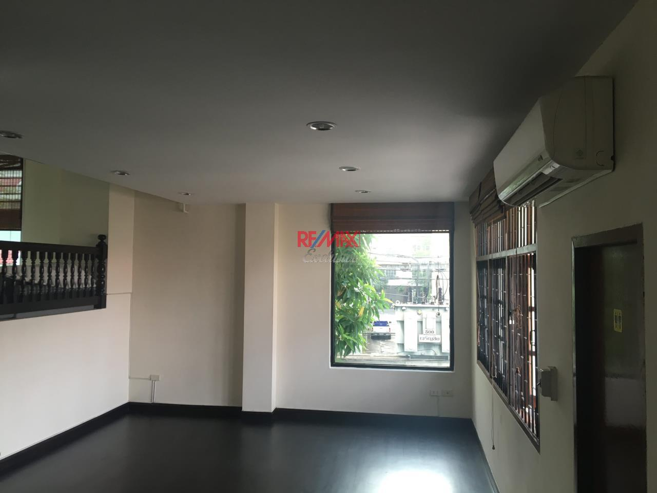 RE/MAX Exclusive Agency's Townhouse in Thonglor 3 bedroom 5 bathroom  12