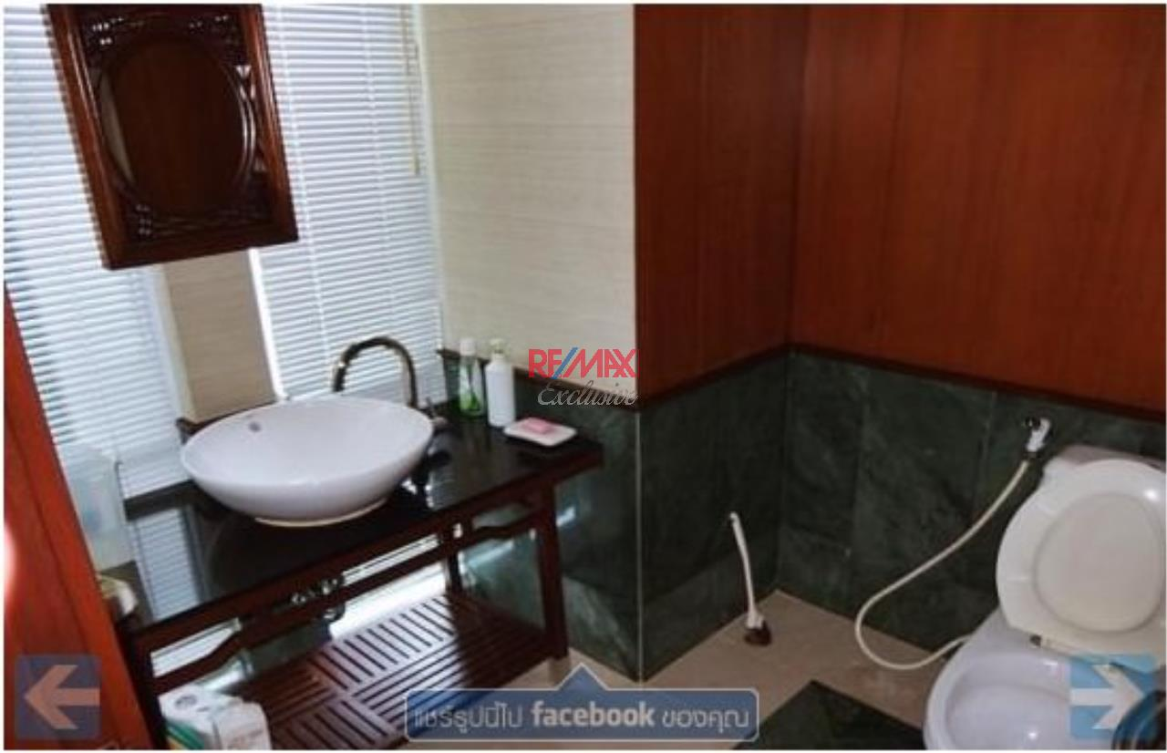 RE/MAX Exclusive Agency's Townhouse in Thonglor 3 bedroom 5 bathroom  8