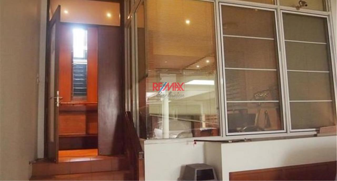 RE/MAX Exclusive Agency's Townhouse in Thonglor 3 bedroom 5 bathroom  21