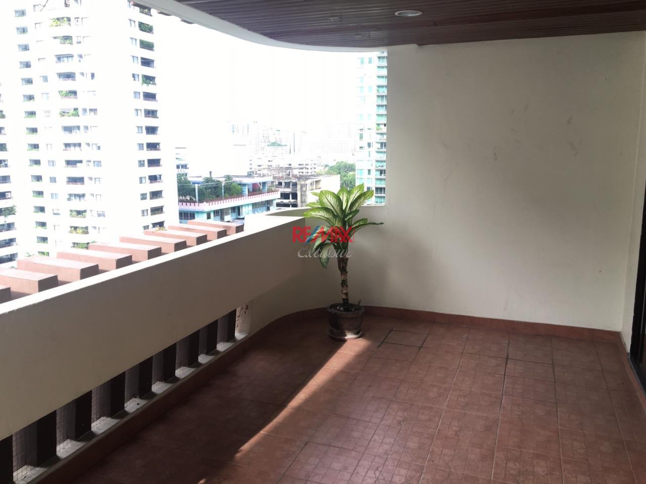RE/MAX Exclusive Agency's Hawaii Tower, 3 Bedroom, 330 Sqm., Fully-Furnished, Special Price for RENT !!! 2