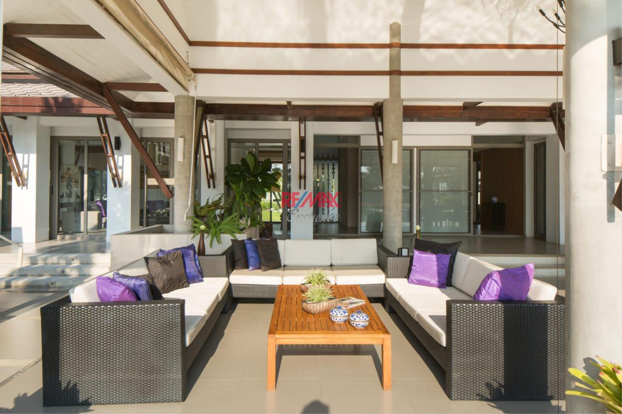 RE/MAX Exclusive Agency's Stunning Villa on Massive Land For Sale 2