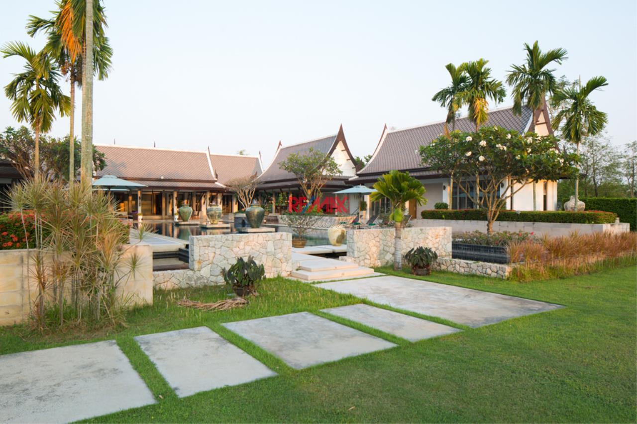 RE/MAX Exclusive Agency's Stunning Villa on Massive Land For Sale 5
