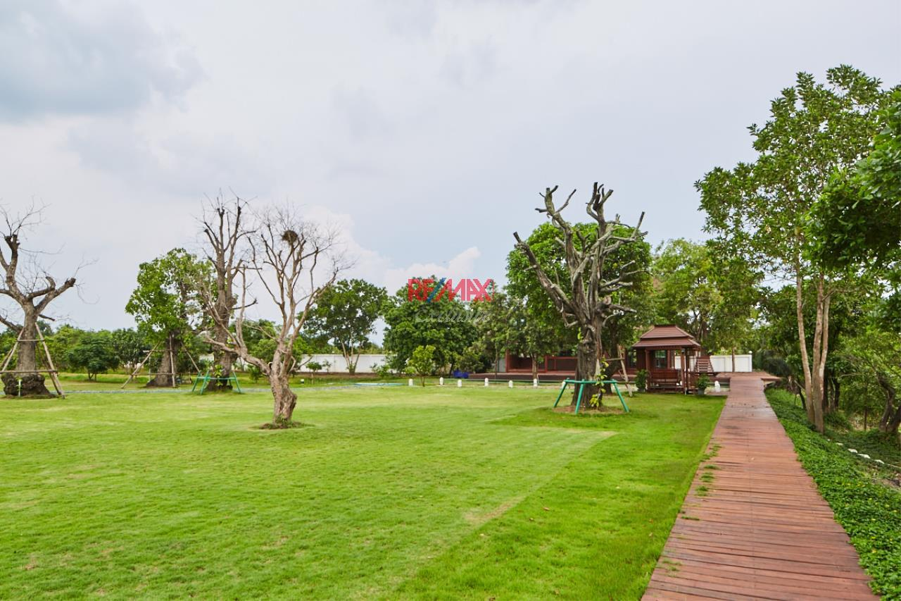 RE/MAX Exclusive Agency's House by the River For Sale 28