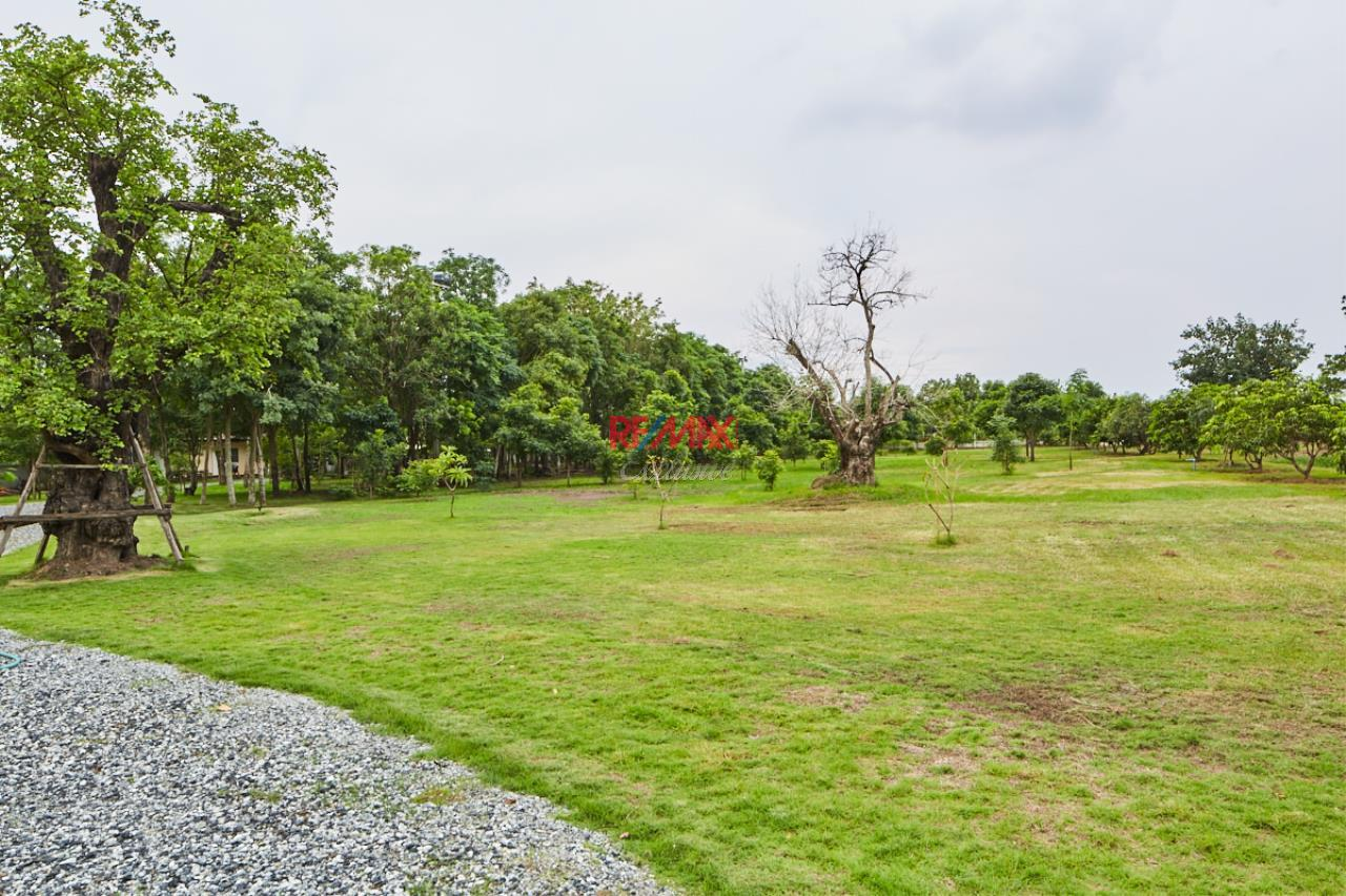 RE/MAX Exclusive Agency's House by the River For Sale 35