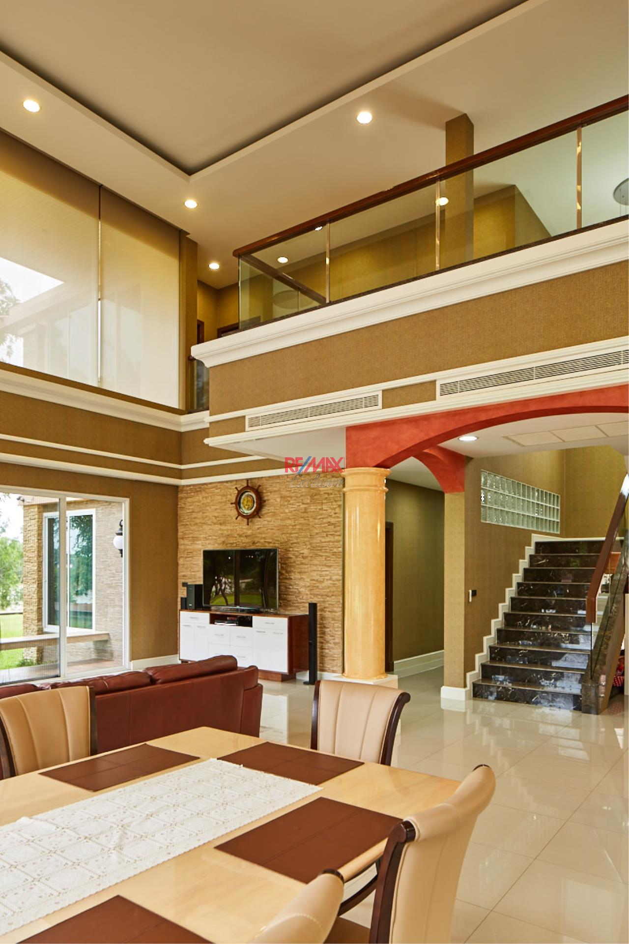 RE/MAX Exclusive Agency's House by the River For Sale 38