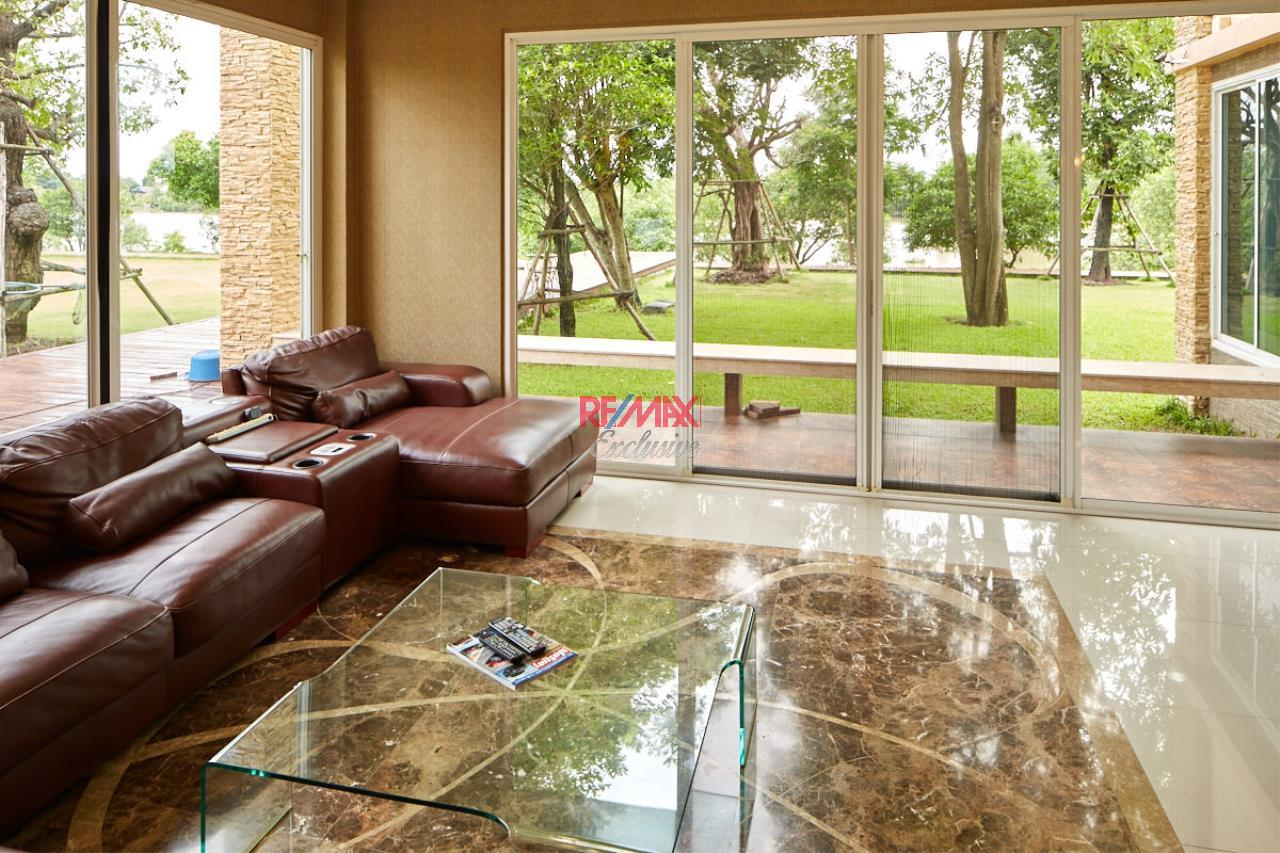 RE/MAX Exclusive Agency's House by the River For Sale 7