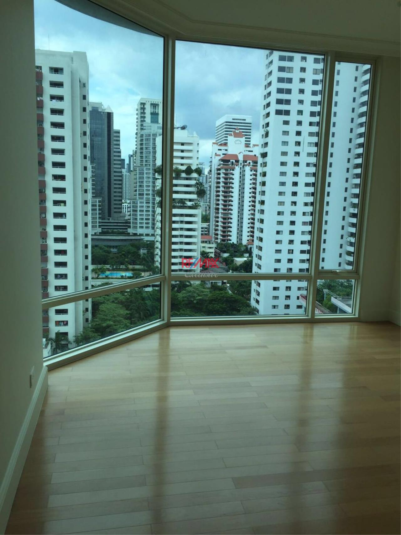 RE/MAX Exclusive Agency's Royce Private Residence, 3 Bedroom 142 Sqm. for Rent and Sale Brand New 1