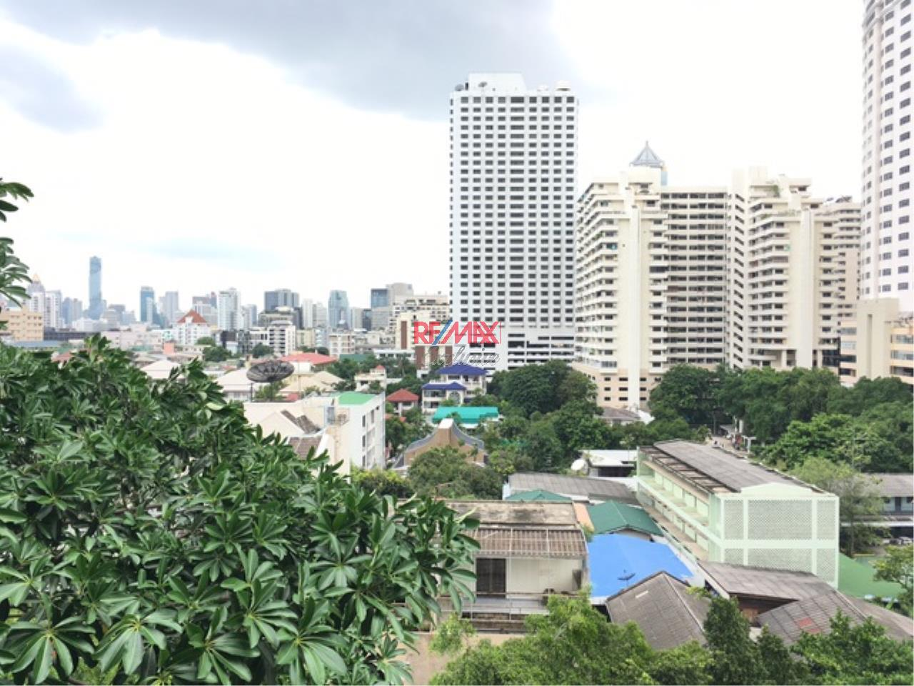 RE/MAX Exclusive Agency's Orchid Tower, 3 Bedroom 330 Sqm. Nice View for Rent 1