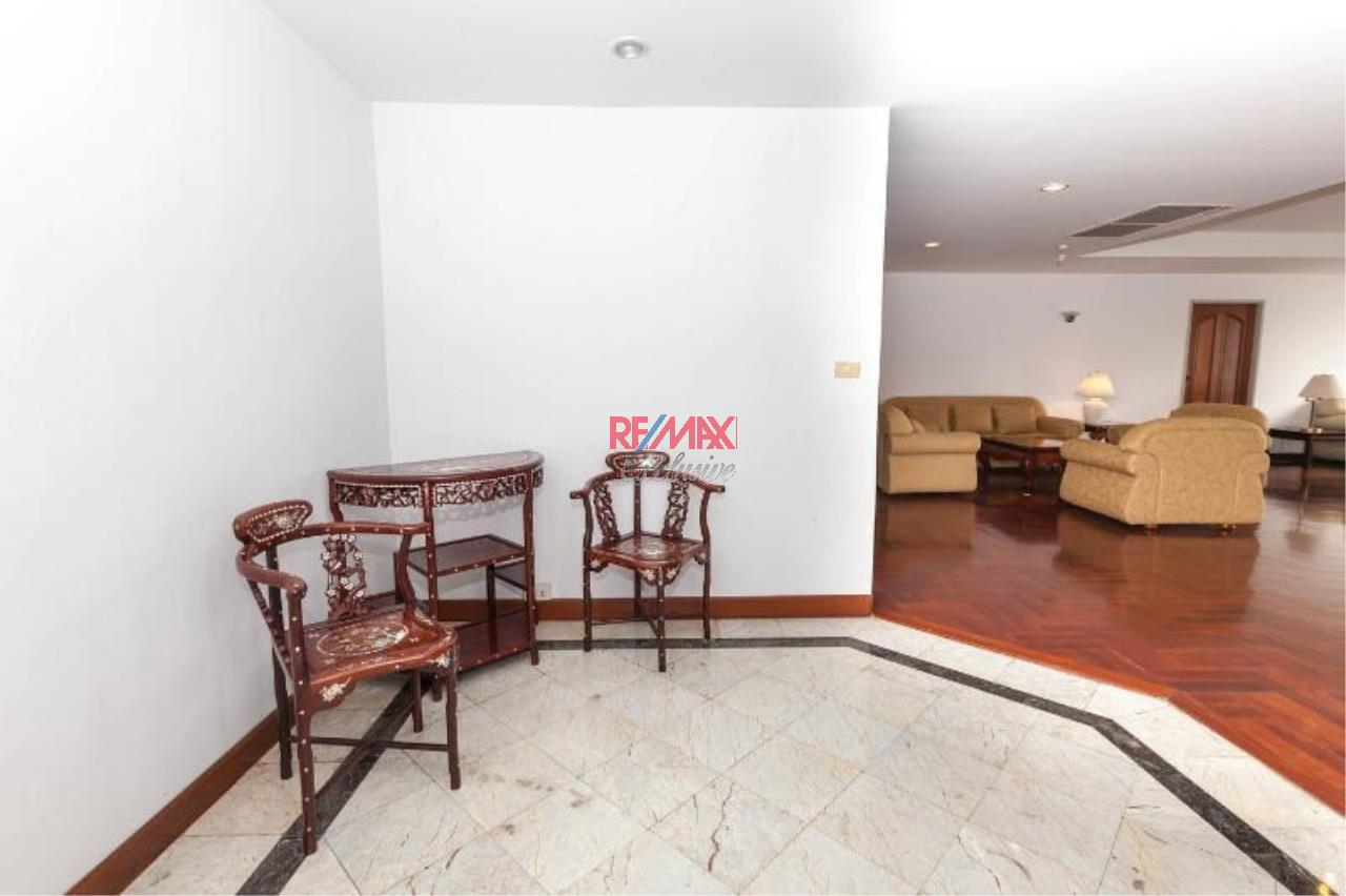 RE/MAX Exclusive Agency's Stunning unit, Las Colinas, for rent and sale 2