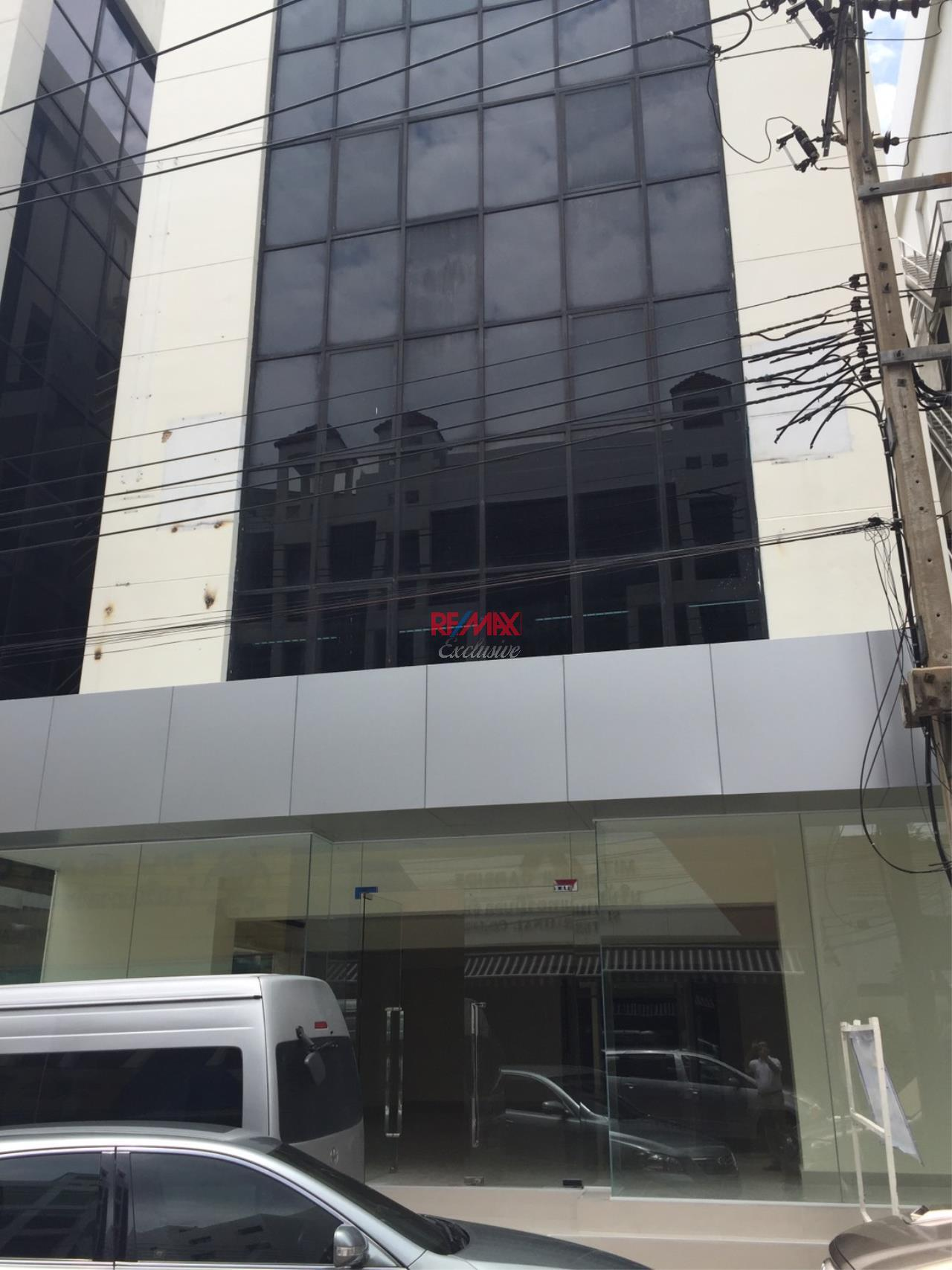 RE/MAX Exclusive Agency's Office building for rent in Ladprao 1