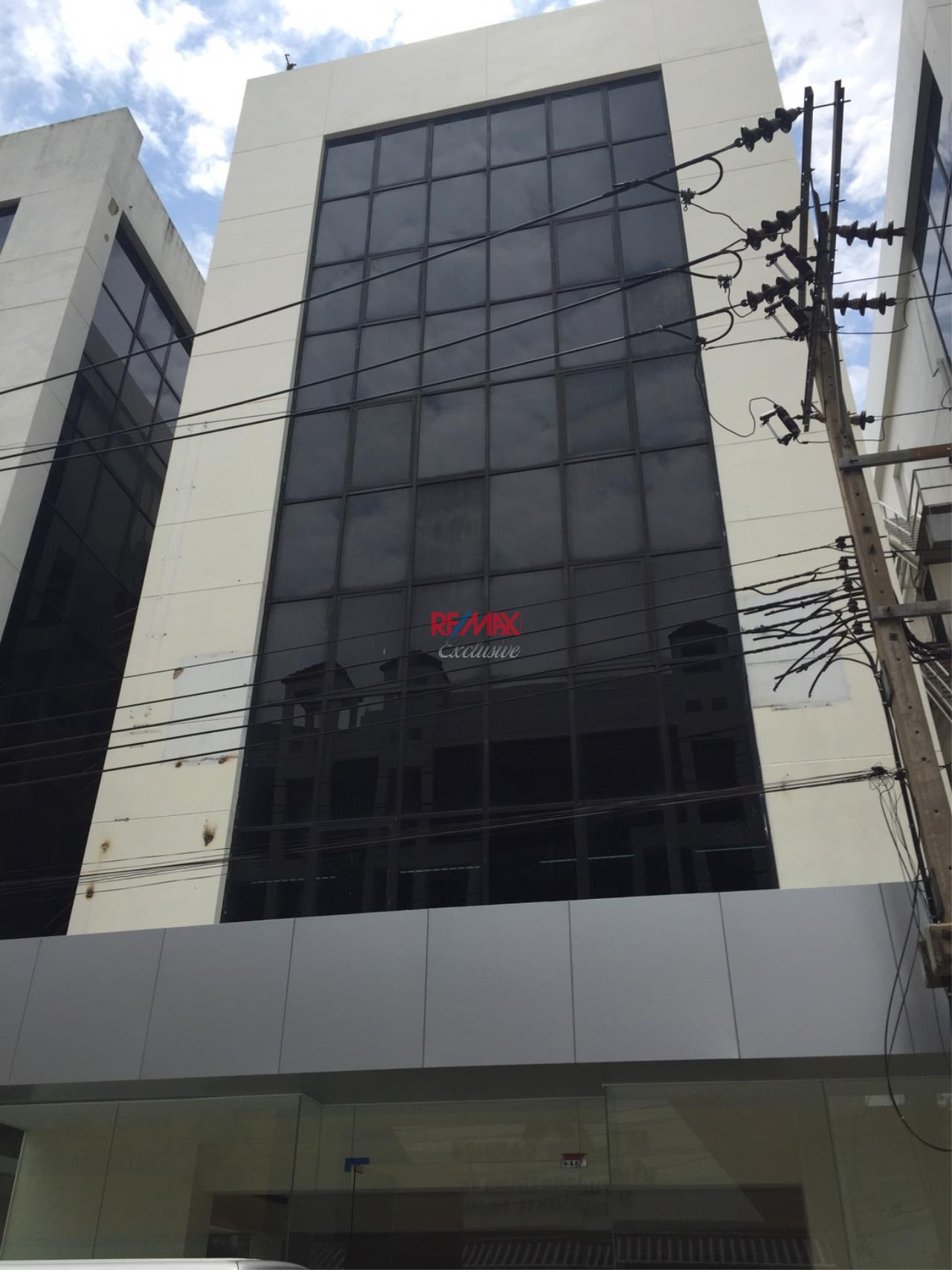 RE/MAX Exclusive Agency's Office building for rent in Ladprao 2