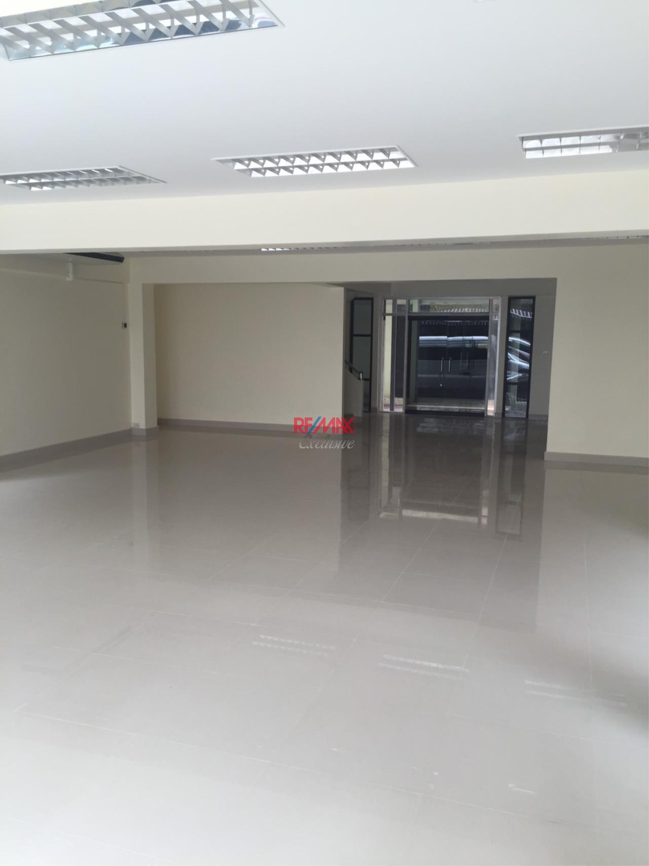 RE/MAX Exclusive Agency's Office building for rent in Ladprao 3