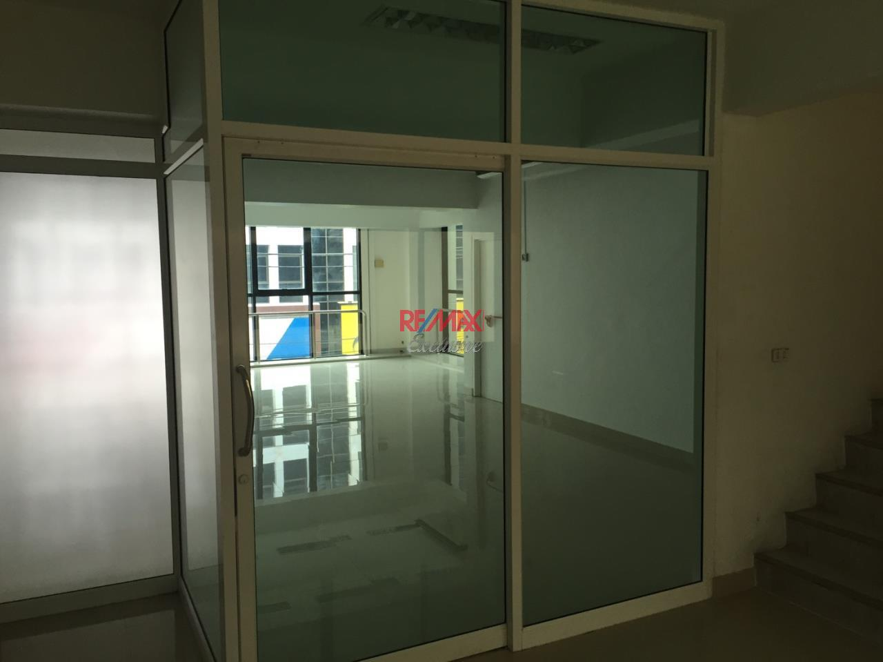 RE/MAX Exclusive Agency's Office building for rent in Ladprao 9