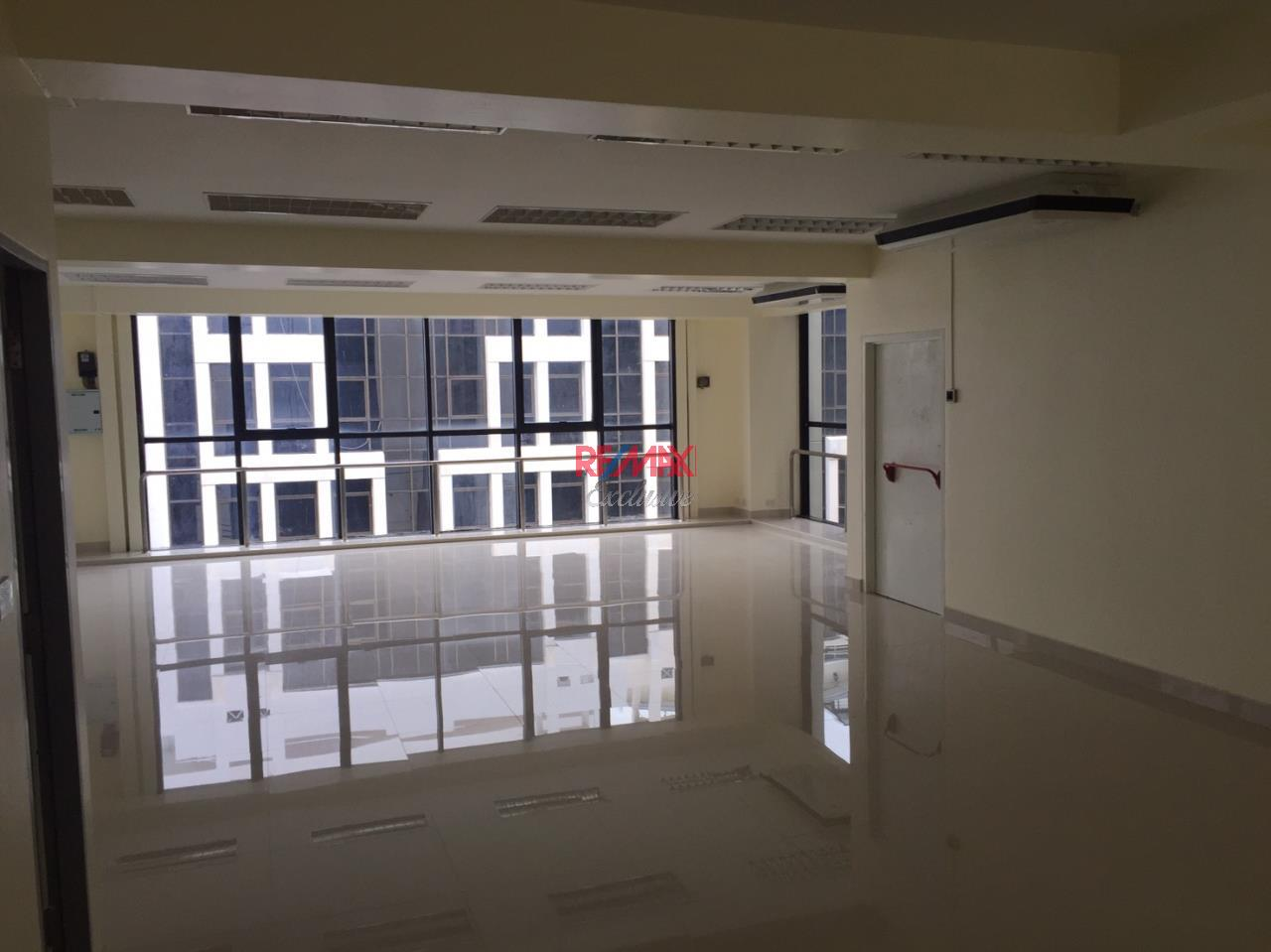 RE/MAX Exclusive Agency's Office building for rent in Ladprao 14
