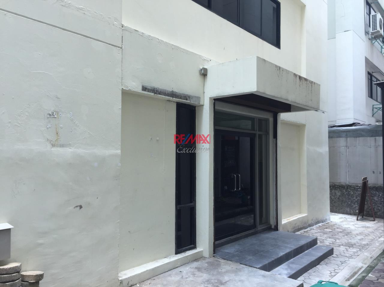 RE/MAX Exclusive Agency's Office building for rent in Ladprao 17