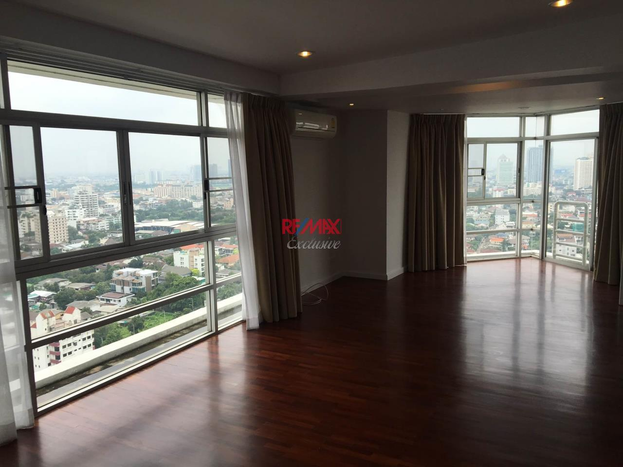 RE/MAX Exclusive Agency's Duplex Penthouse 3 Bedroom for Sale 36M 16