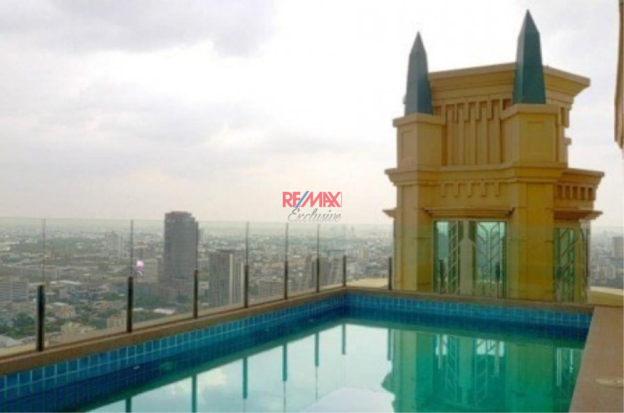 RE/MAX Exclusive Agency's Stunning Penthouse for Sale in The Royce Private Residence 1