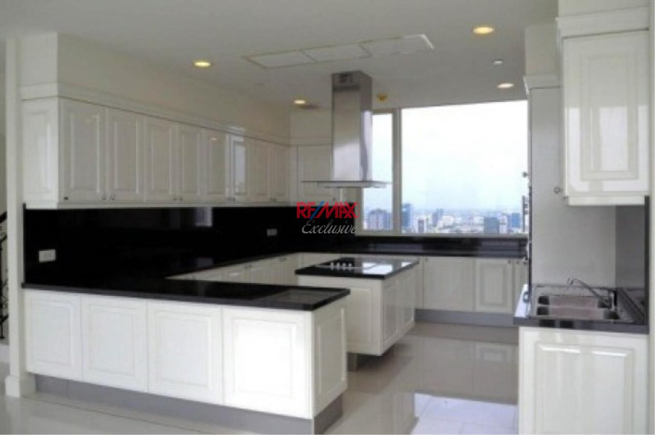 RE/MAX Exclusive Agency's Stunning Penthouse for Sale in The Royce Private Residence 5