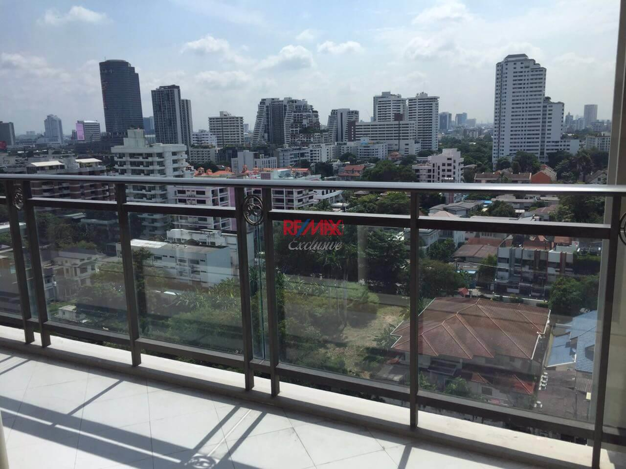 RE/MAX Exclusive Agency's Royce Private Residence, 2 Bedroom 112 Sqm. for Rent best price 12