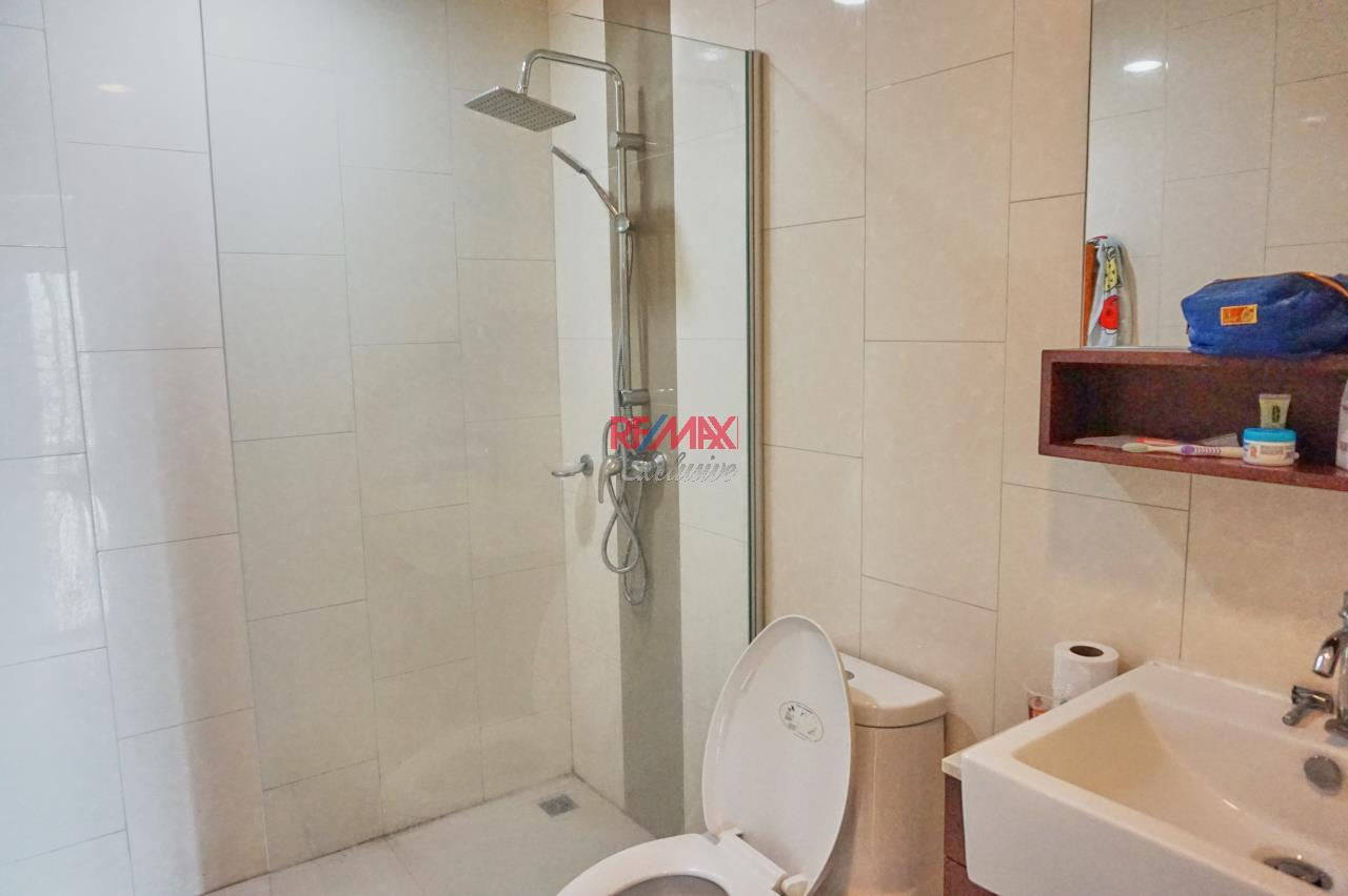 RE/MAX Exclusive Agency's Renova Residence Chitlom, 3 bedroom, 142 sqm - For Rent 6