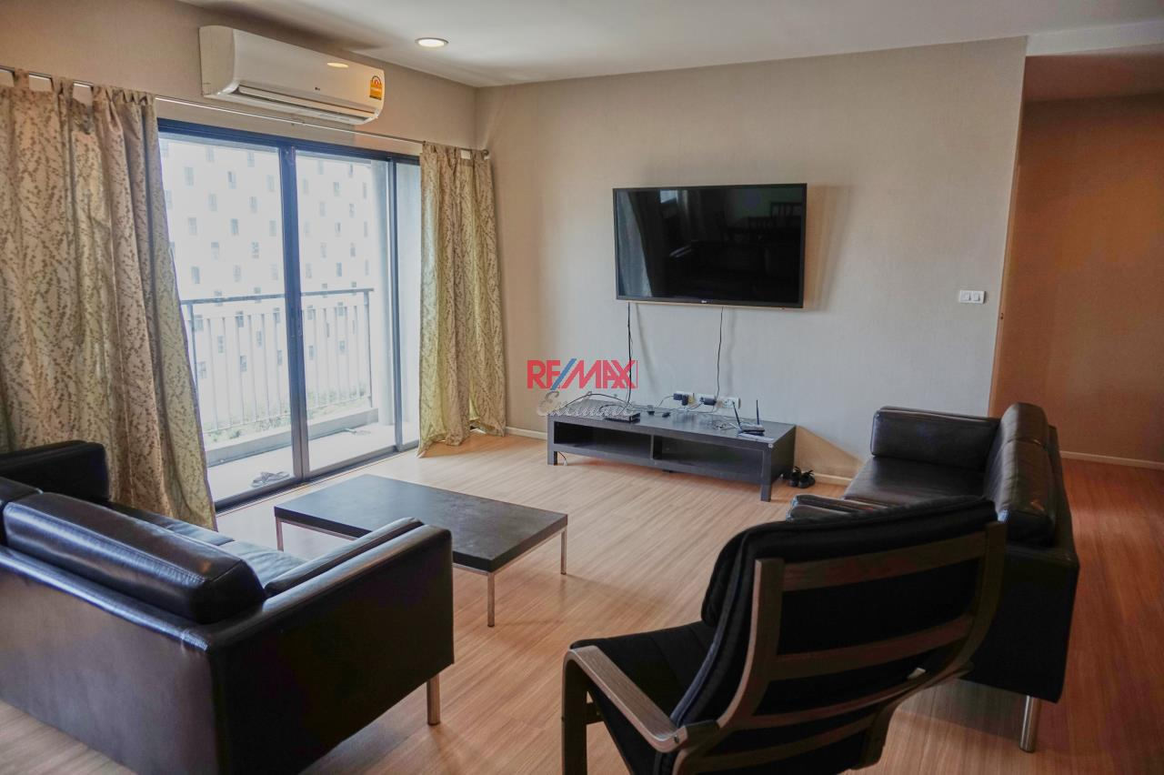 RE/MAX Exclusive Agency's Renova Residence Chitlom, 3 bedroom, 142 sqm - For Rent 10