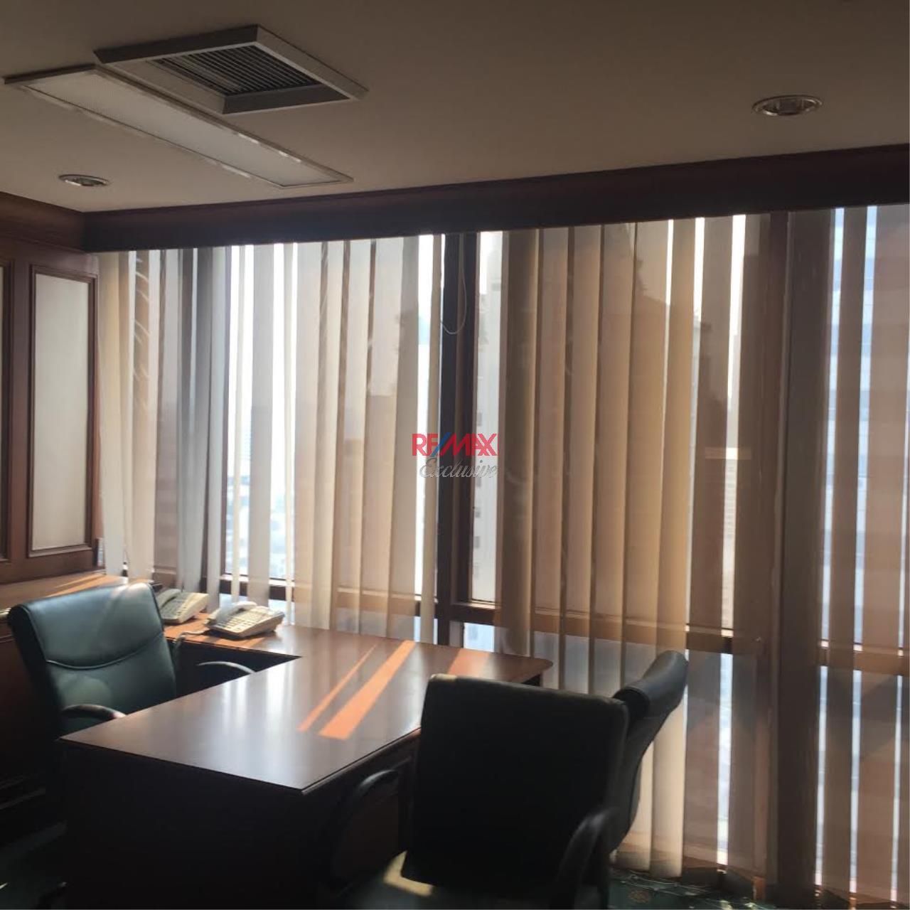 RE/MAX Exclusive Agency's PS Tower Office Space for Rent in Downtown of Sukhumvit 225,000/ month   2