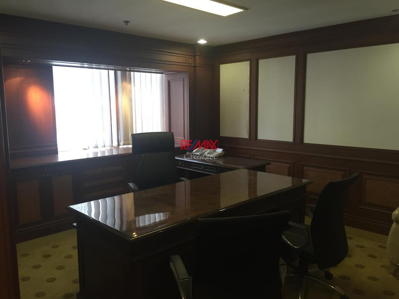 RE/MAX Exclusive Agency's PS Tower Office Space for Rent in Downtown of Sukhumvit 225,000/ month   3