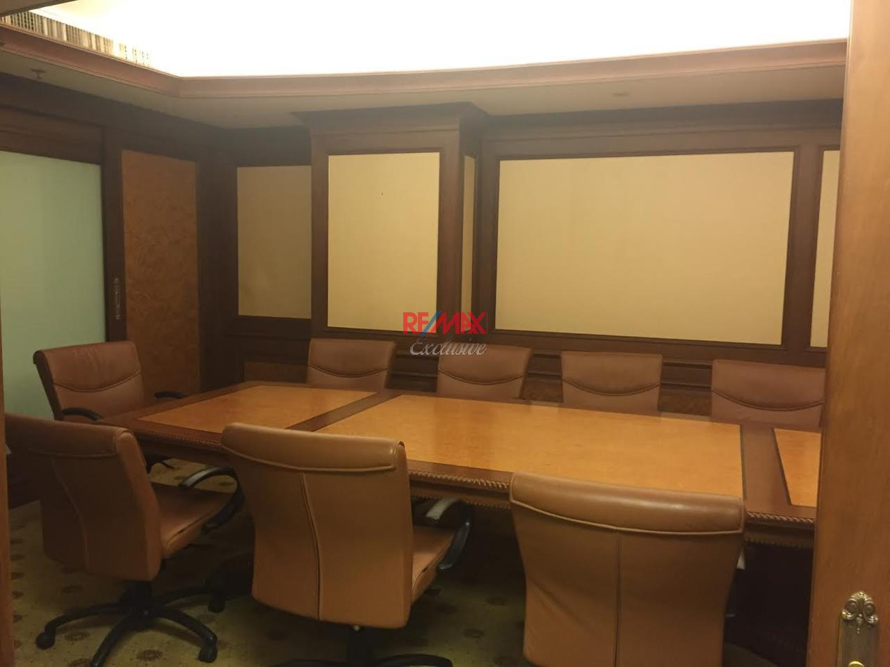 RE/MAX Exclusive Agency's PS Tower Office Space for Rent in Downtown of Sukhumvit 225,000/ month   5