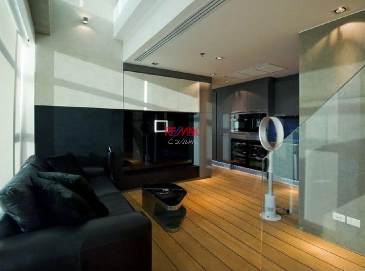 RE/MAX Exclusive Agency's 2+1 bedroom duplex penthouse for sale at Baan Nonzee 21500000  3