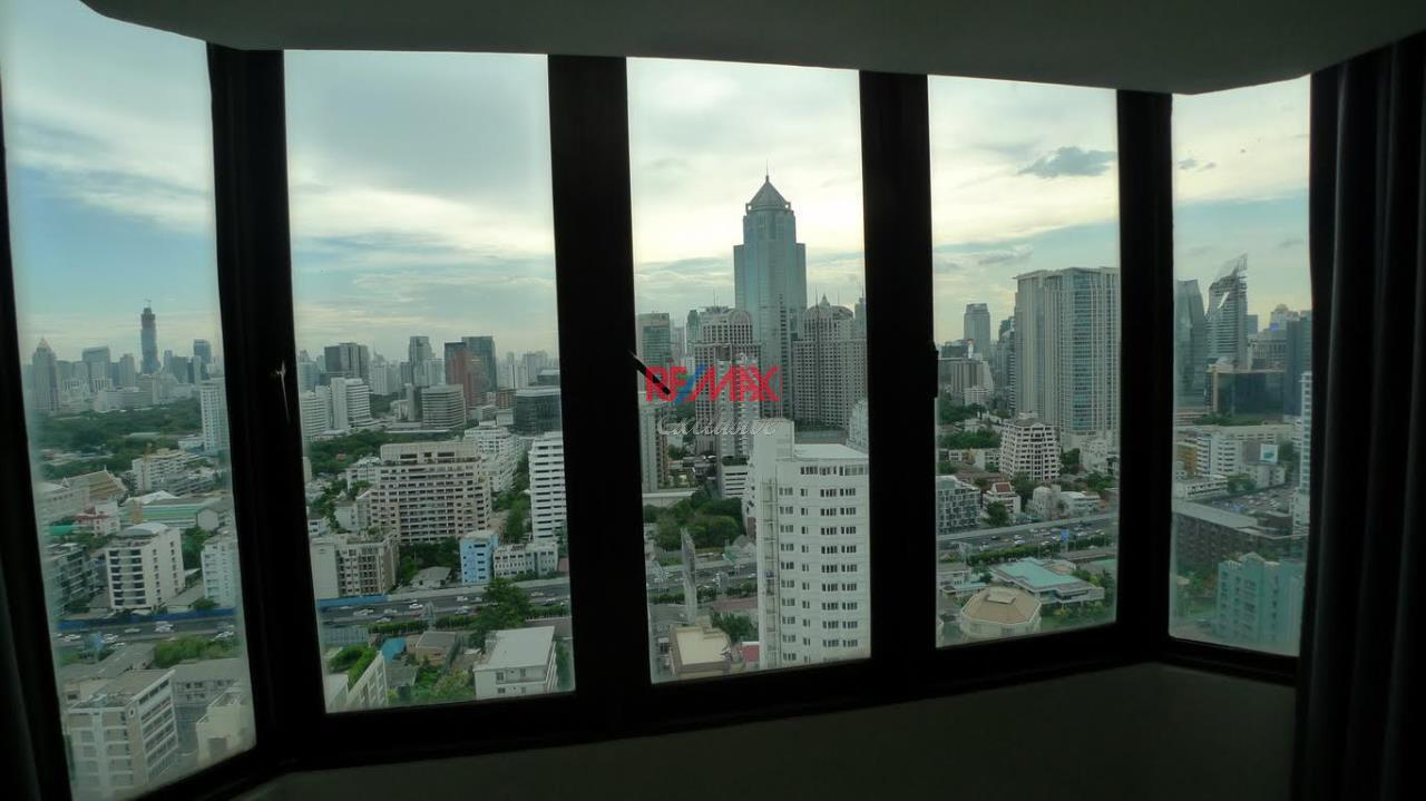 RE/MAX Exclusive Agency's Newly Renovated Omni Tower 2 bedroom for sale 5500000 Good Price 31
