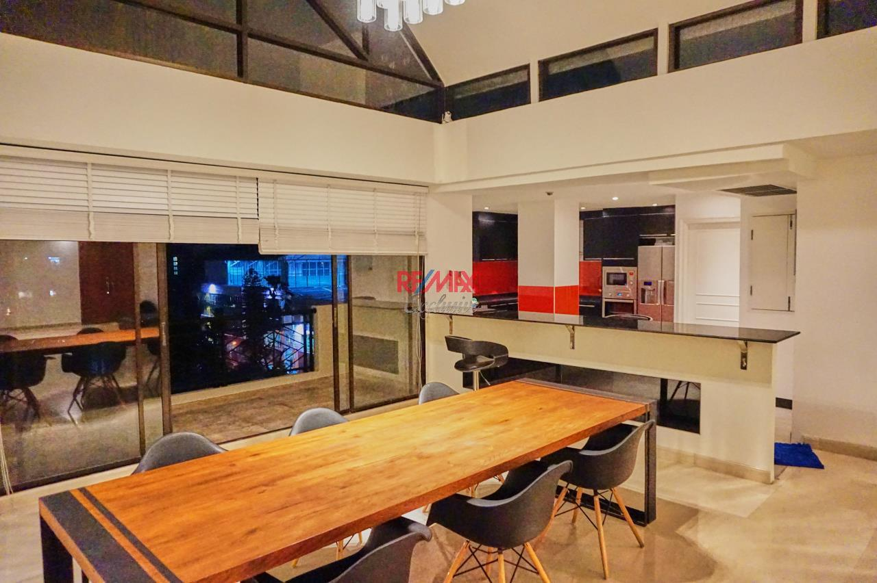 RE/MAX Exclusive Agency's Spacious 3 Bedroom Penthouse with Rooftop Garden in Thonglor For Rent 3
