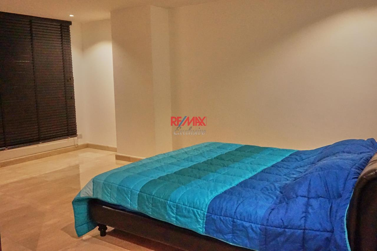 RE/MAX Exclusive Agency's Spacious 3 Bedroom Penthouse with Rooftop Garden in Thonglor For Rent 10