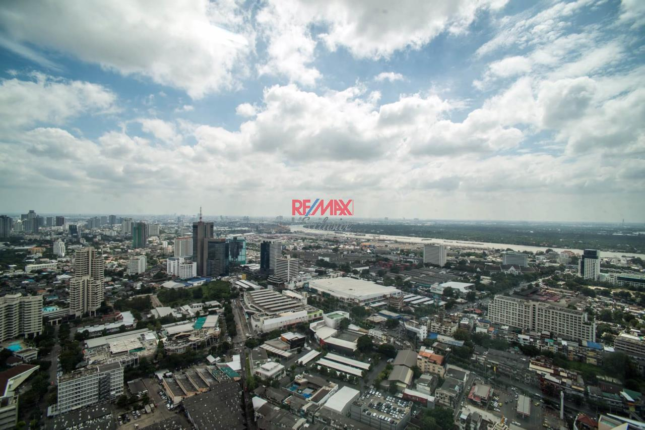 RE/MAX Exclusive Agency's The Lumpini 24 Mini Penthouse Sale with tenant in the heart of Phrom Phong 39,900,000 20