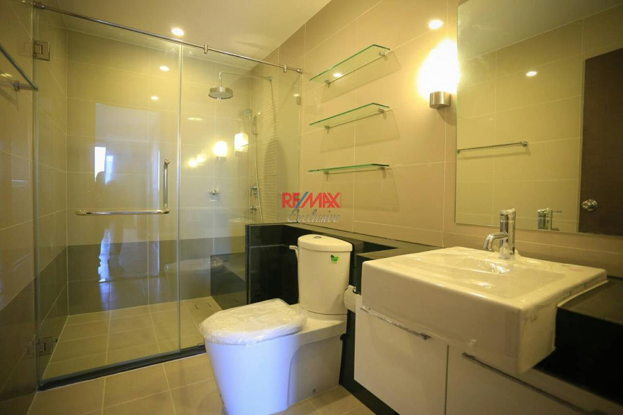 RE/MAX Exclusive Agency's Supalai River Resort 2 bedroom for rent with river view 4