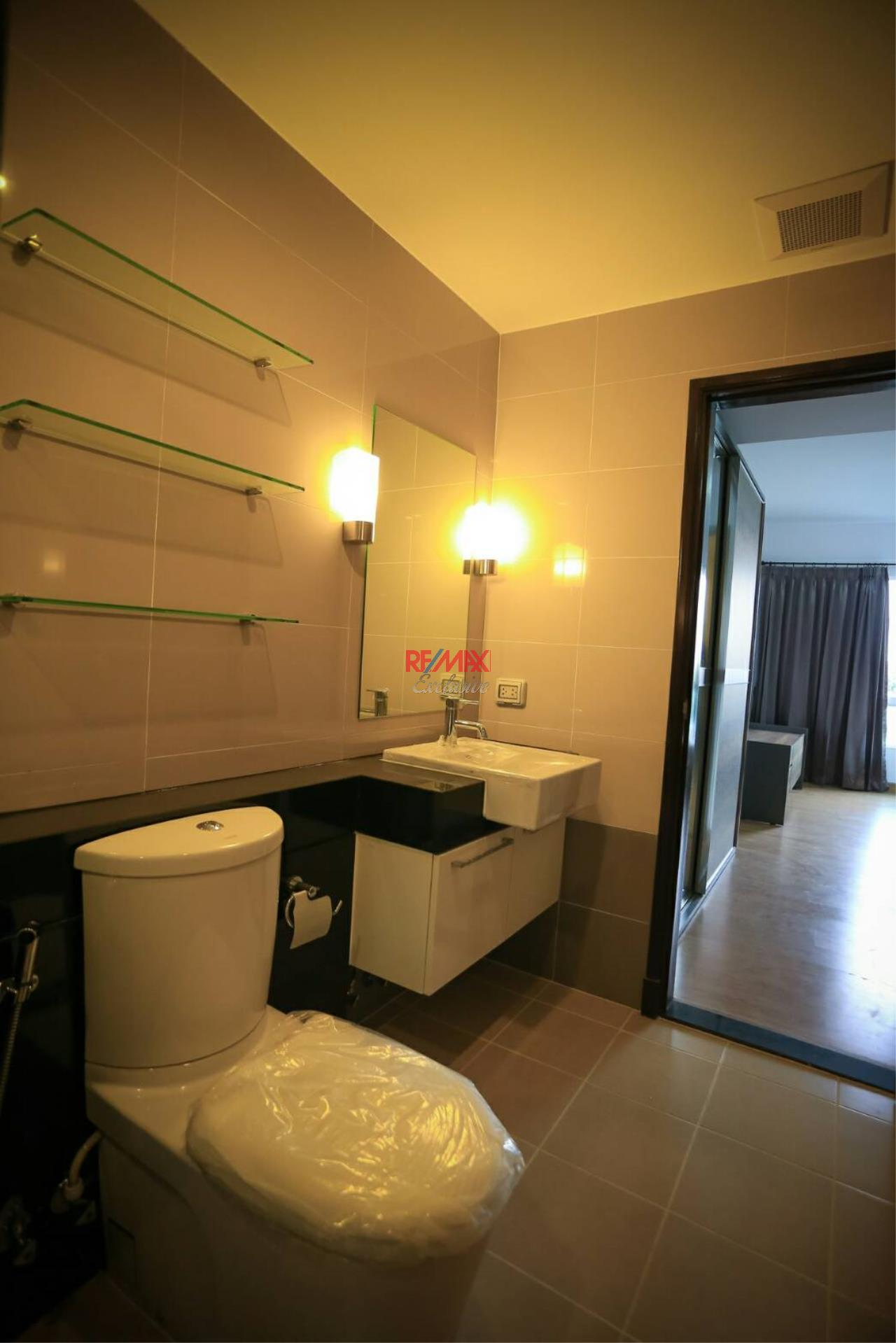 RE/MAX Exclusive Agency's Supalai River Resort 2 bedroom for rent with river view 6