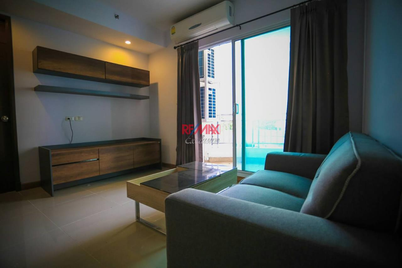 RE/MAX Exclusive Agency's Supalai River Resort 2 bedroom for rent with river view 12