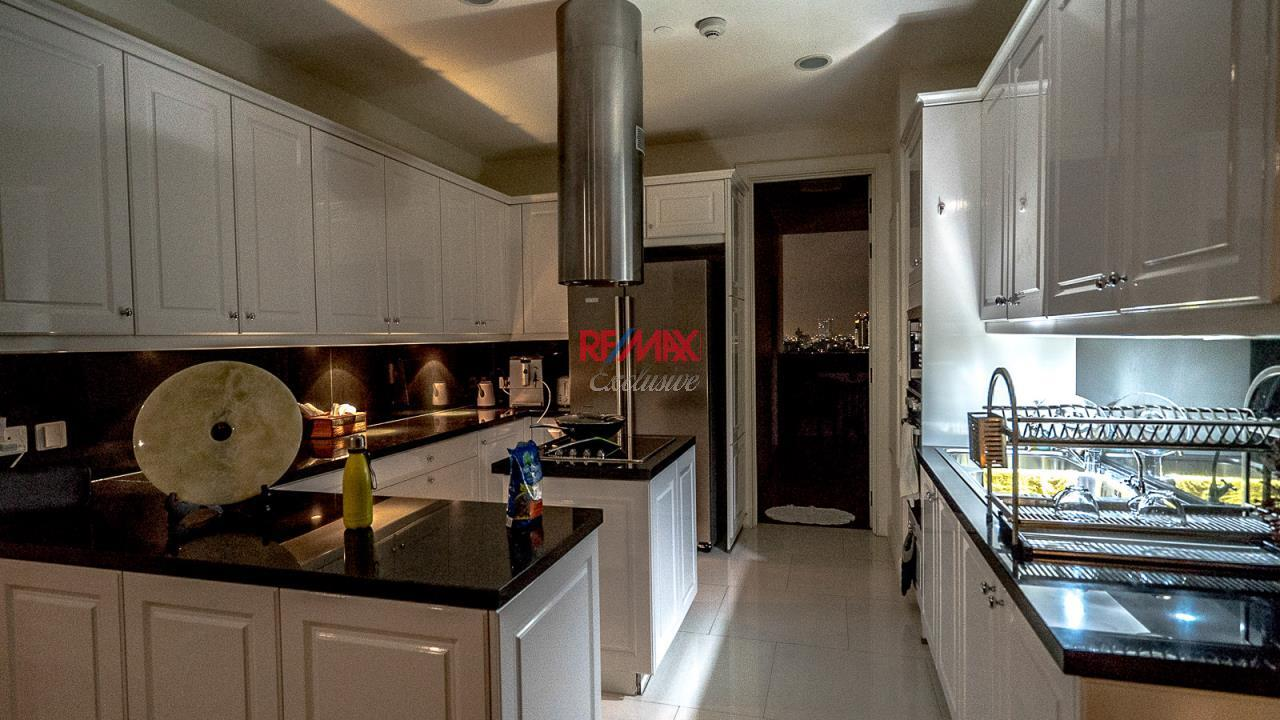 RE/MAX Exclusive Agency's Royce Residence, 3 Bedroom, 178 Sqm - For Rent 3