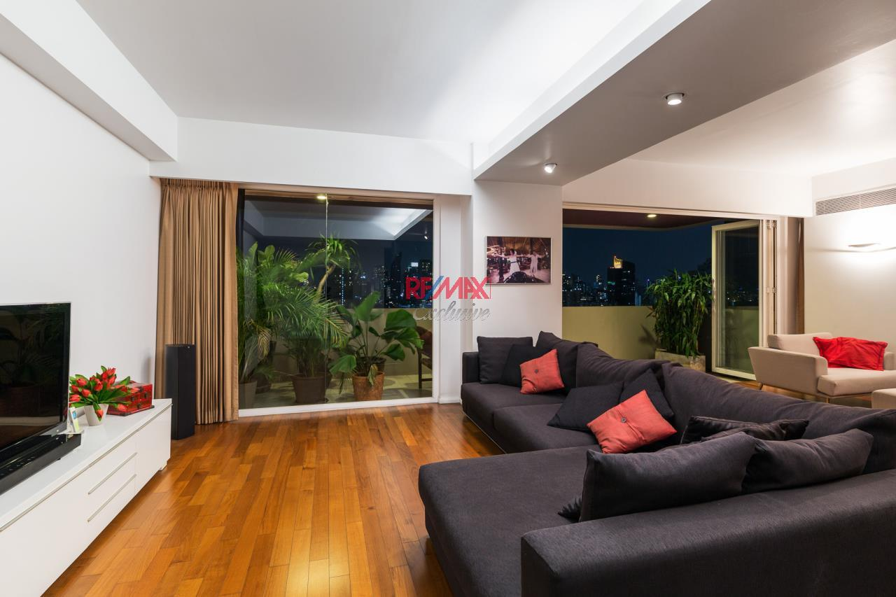 RE/MAX Exclusive Agency's Phatssana Gardens - Modern Luxury 4 Bedroom Condo - For Sale - 28,300,000 THB 8