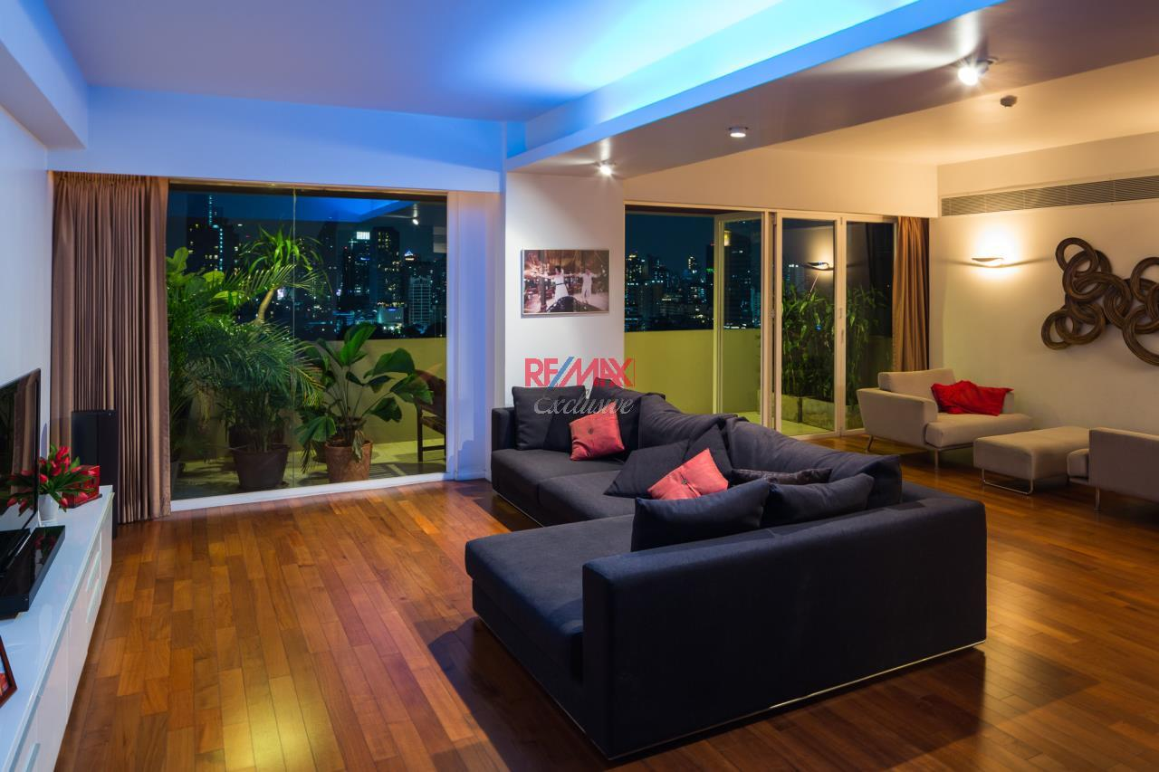 RE/MAX Exclusive Agency's Phatssana Gardens - Modern Luxury 4 Bedroom Condo - For Sale - 28,300,000 THB 1