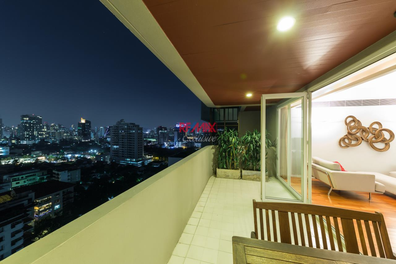 RE/MAX Exclusive Agency's Phatssana Gardens - Modern Luxury 4 Bedroom Condo - For Sale - 28,300,000 THB 9