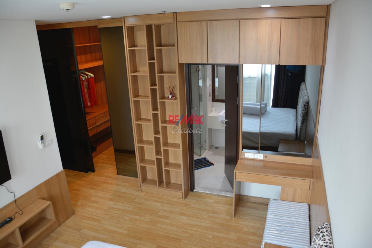 RE/MAX Exclusive Agency's Le Luk Prakanong 2 Bedroom for sale 11,000,000 THB  2