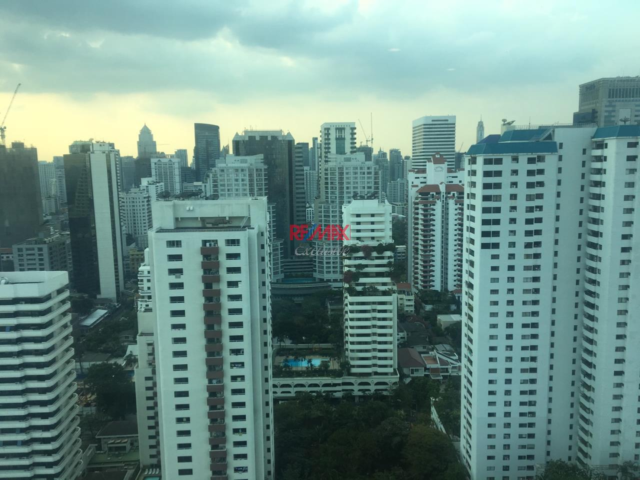 RE/MAX Exclusive Agency's Royce Private Residence, 3 Bedroom 142 Sqm. for Rent and Sale 5