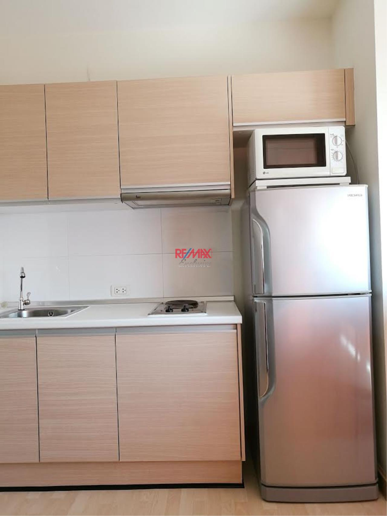 RE/MAX Exclusive Agency's Rhythm Ratchada 1 Bedroom with Sky Kitchen for Rent 20,000 THB 9