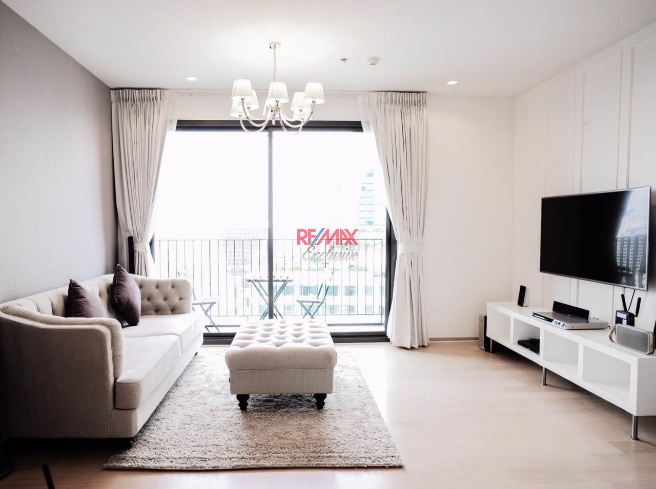 RE/MAX Exclusive Agency's HQ Thonglor, 2 Bedrooms  2, Bathrooms 80 Sqm., With Fully Equipped Living and Kitchen Room, For Rent!! 1